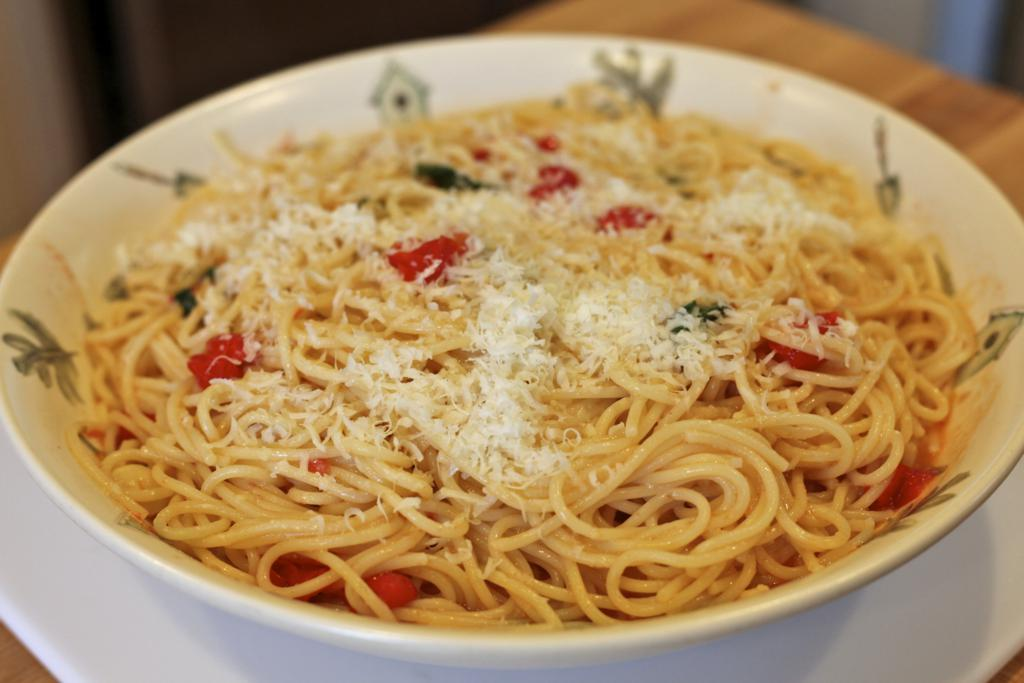 Spaghetti with Cherry Tomatoes and Pecorino